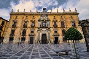 Real Chancillería (Plaza del Padre Suárez, 1; Plaza Nueva)